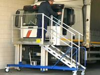 Truck and bus windshield access platform