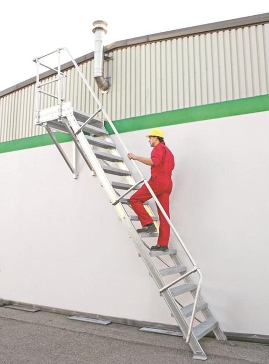 Scale d 39 accesso fisse in alluminio per esterni scale speciali e su misura - Scale da esterno prefabbricate ...